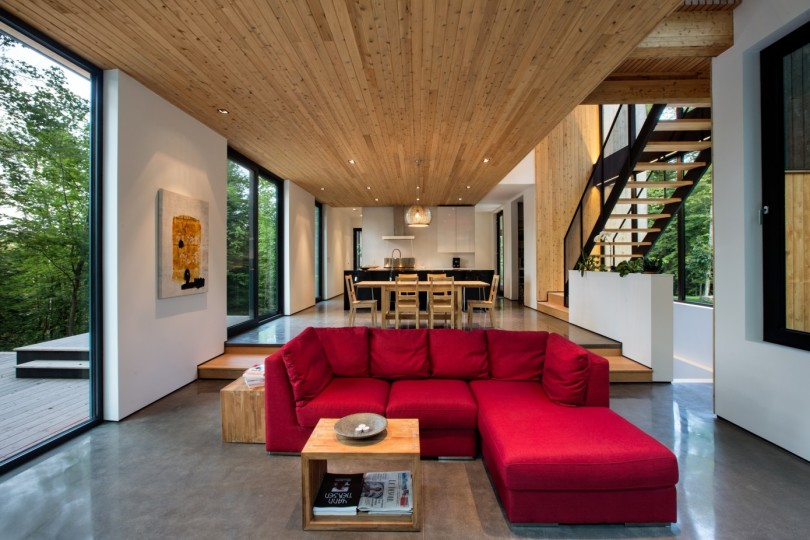 Wooden House by Thellend Fortin Architectes-03