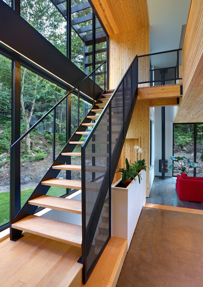 Wooden Residence by Thellend Fortin Architectes-05