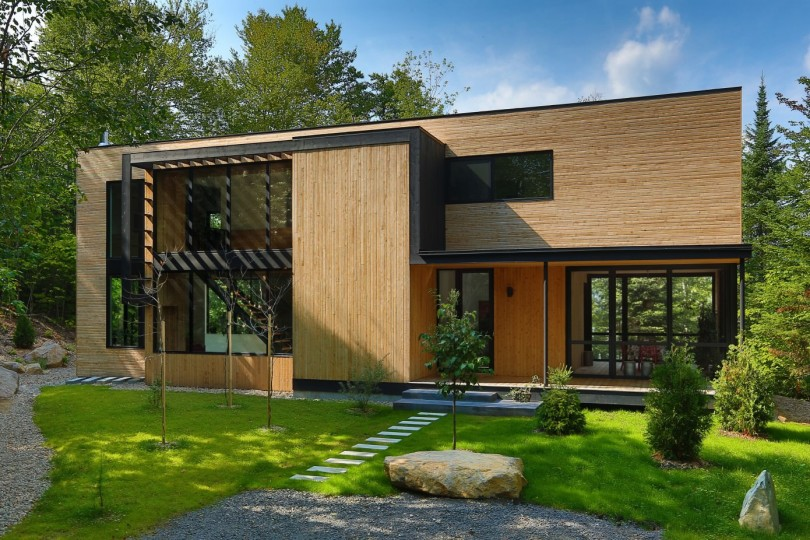 Wooden Residence by Thellend Fortin Architectes-09