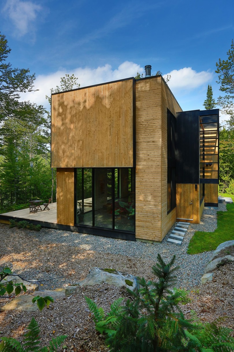 Wooden Residence By Thellend Fortin Architectes Homedezen