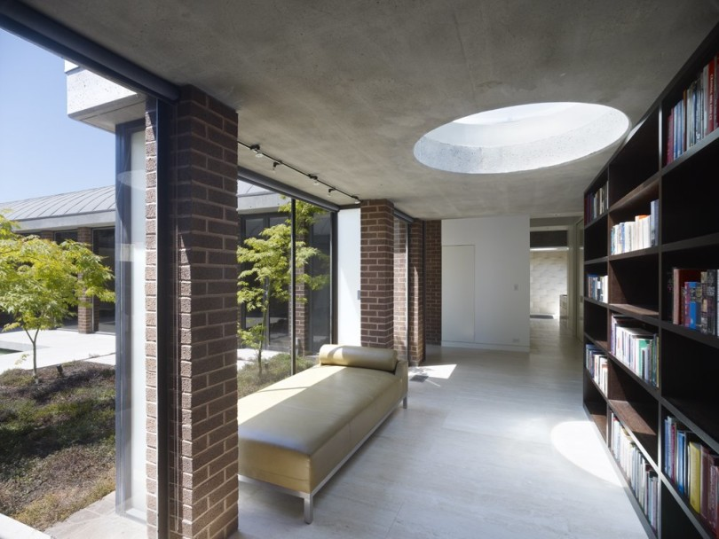 Contemporary House by Ogrydziak and Prillinger Architects