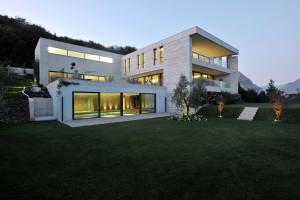 Concrete Villa in Switzerland by Angelo Pozzoli