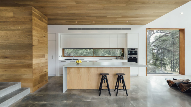 Modern House by Moloney Architects