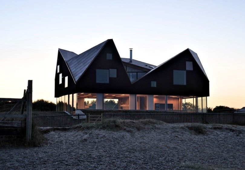 Dune House by JVA