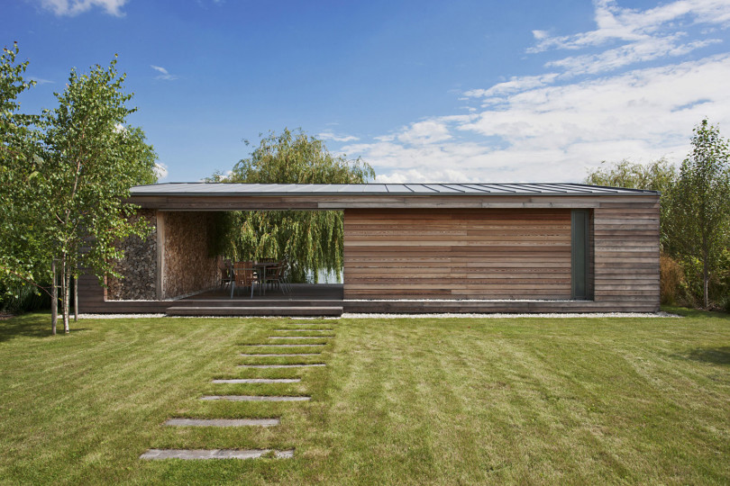 Holiday Cottage by Tóth Project Architect Office