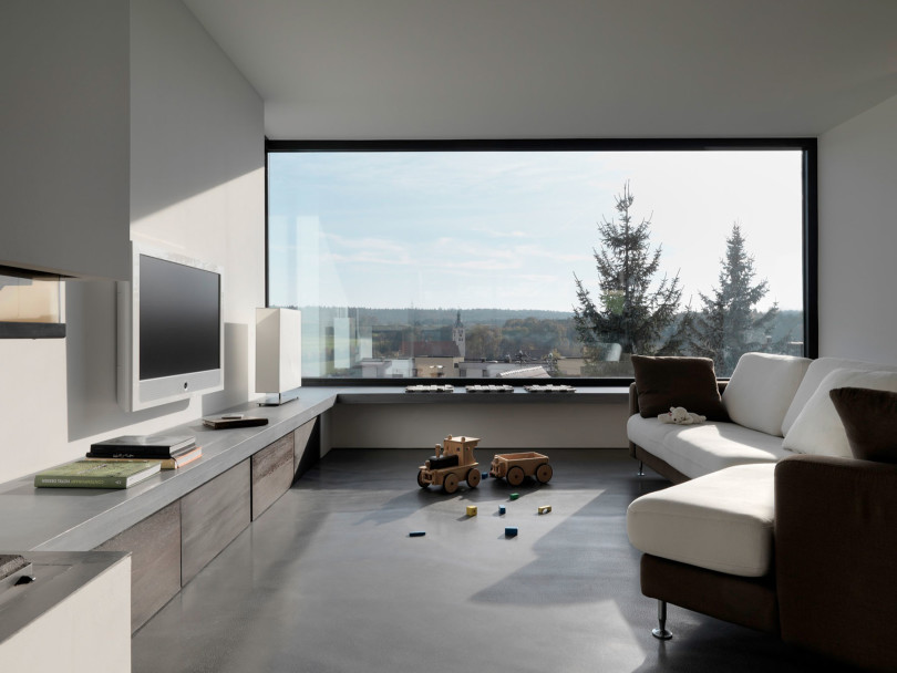 Minimalist home by Ippolito Fleitz Group