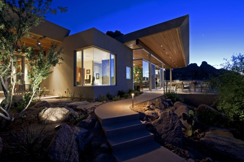 Monk's Shadow Residence by Kendle Design Collaborative