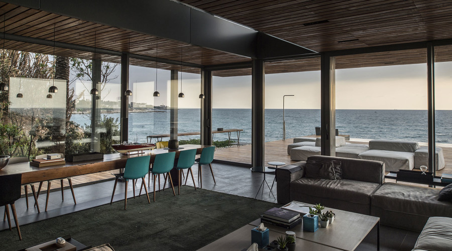 Beach Residence by BLANKPAGE Architects