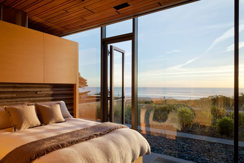 Vacation Home with stunning ocean views by Boora Architects