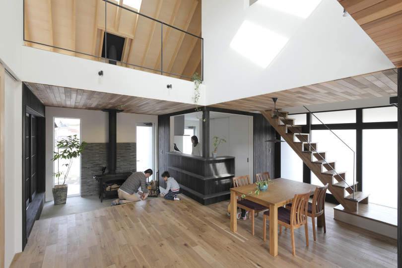 Contemporary Family Home in Japan
