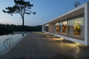Weekend House by dEMM Arquitectura