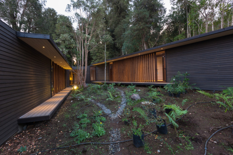 Residence on the Lake Villarrica by Planmaestro