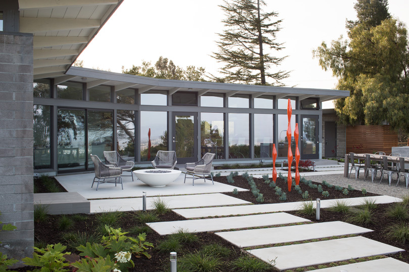 Mid-Century Modern House Remodeled by Klopf Architecture