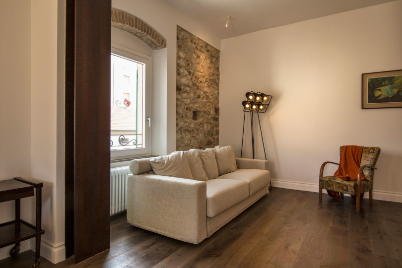 Renovated Apartment in Italy by Carlo Pecorini