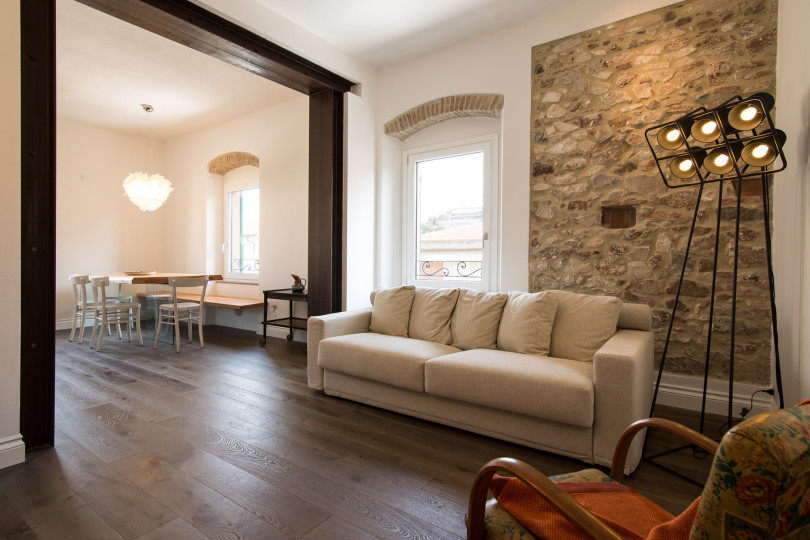 Renovated Apartment in Italy by Carlo Pecorini
