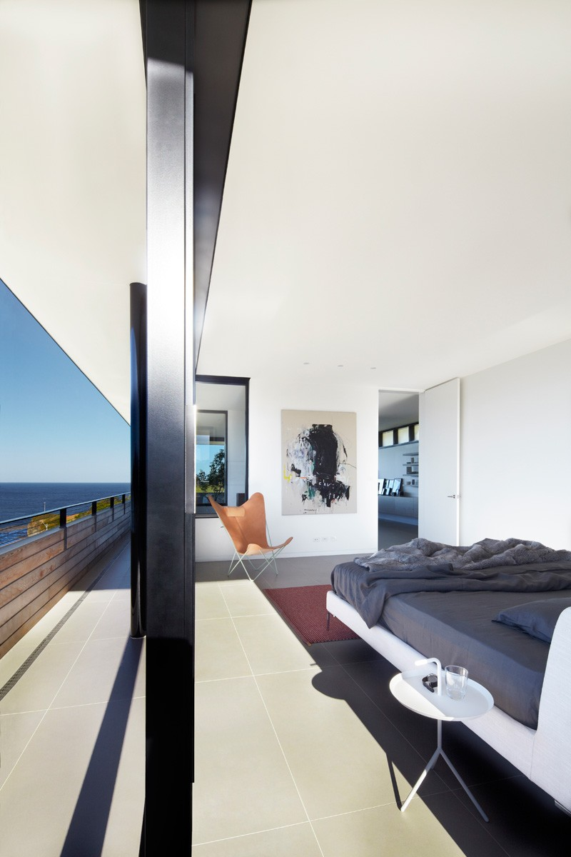 Beach House in Australia by Smart Design Studio