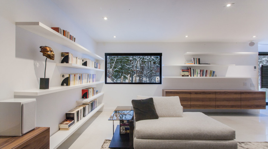 Contemporary renovation of a 1950s bungalow: Du Tour Residence
