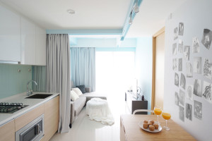 Small Apartment in downtown Singapore by HUE D