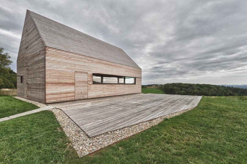 Summerhouse Südburgenland by Judith Benzer Architektur